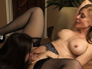 Hot tranney milf seduces