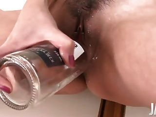 Japanese Mom Squirting While Dildoing Her Cunt