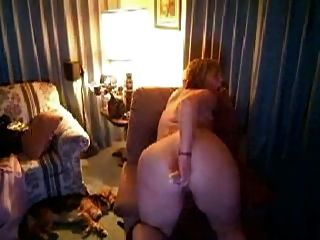 Chubby Amateur On Webcam Masturbating And Having An Orgasm