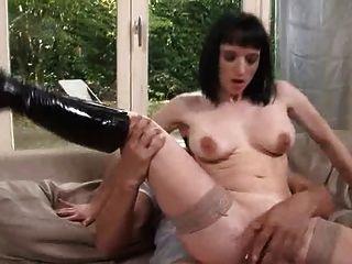 Maman a trouvé son fils porno