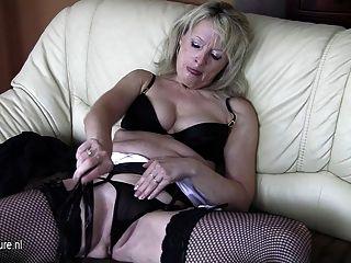 Old Blonde Mature Slut Mom Loves To Take A Tinkle