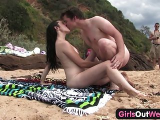 Cutie Fucking A Stranger At The Beach
