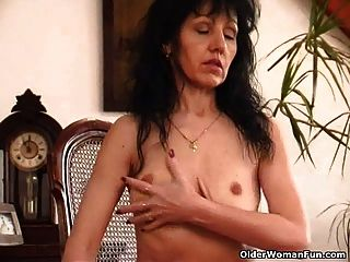Fat mature hairy pussy saggy tits