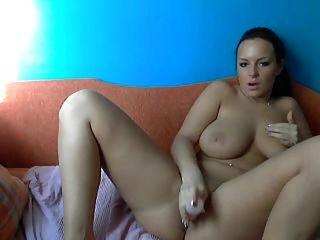 Amazingly Sexy Babe