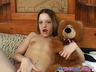 Poizon ivy finds a yung slut to play with 2