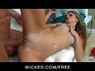 Petite Sexy Teen Staci Silverstone Shows Off Her Flexibility