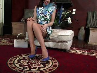 Tammy Lee - You Know Your Stockings!
