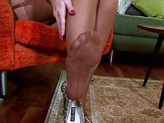 Natalia - Sophisticated Show Off!
