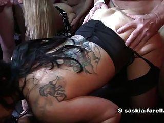 Saskia Farell & Sexy Bella Hardcore Fuck