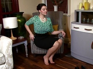 Victoria C - Sophisticated Nylon Admiration!