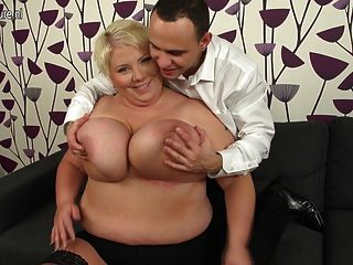 Huge Breasted Mature Mom Fucking And Sucking Her Ass Off