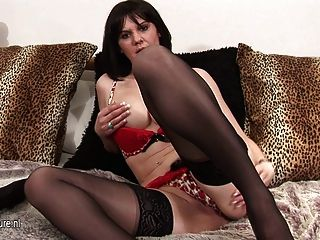 Hot Mature Mother Playing With Her Pussy