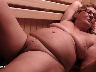 Amateur Mature Females At Sauna