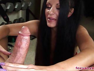 Foxy anya gives a scary handjob - 3 part 1