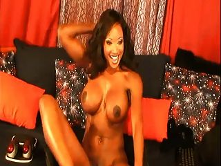 Diamond Jackson Creaming On Dildo