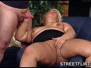 Fisting A Fat Bbw
