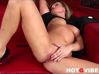 Sandra Sanchez Skips House Duties To Masturbate 2