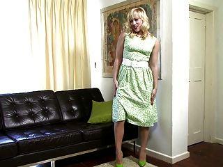 Axa J - Vintage Fashionista!