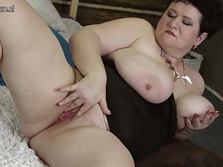 Big Breasted Mama Playing With Her Old Pussy