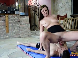 Lara Latex Makes Slave To Fuck With Toy