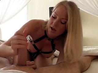 Cara - She Know How To Do Handjob