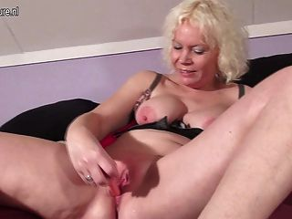 Mature Mom Squirts Like Young Slut
