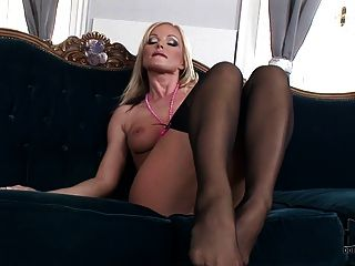 Silvia Saint Foot Tease