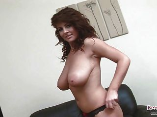 Pretty Babe Roxy Plays With Hooter