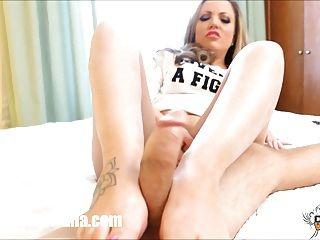 Kinky Carmen Valentina Footjob Cock Stroking