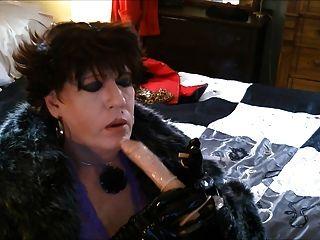 webcam sasha playing with dildo