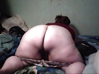 Pawg Talking On Skype While Shakin Her Ass