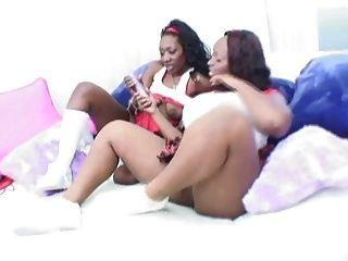 Would pay Black ebony lesbian sistas damn hot!
