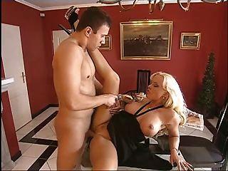 Sex Mit Geiler Frau Auf Dem Boden