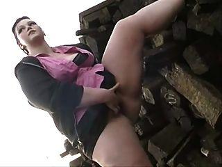 Milla Monroe Outdoor