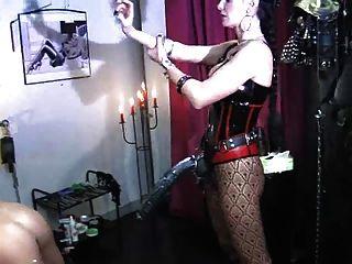 Lady kacykisha fickt sklaven transe mit strapon in den arsch 2