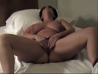 Peg Playing With Her Pussy