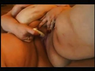 Toothless Bbw Strips & Plays
