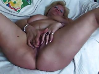 Chubby girl fingering herself have missed