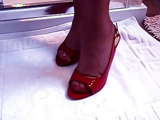 Mature Foot Fetish Model With Awesome Feet