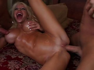 Super Hot Bimbo Danielle Derek Gets Fucked