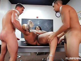 Lankan babes porn pics