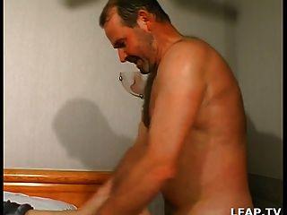 Mature Baisee Et Sodomisee Par Deux Hommes