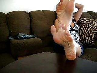 Sexy Latina Woman Soles Show