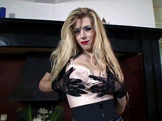 Michelle Moist - Racy In Lace...