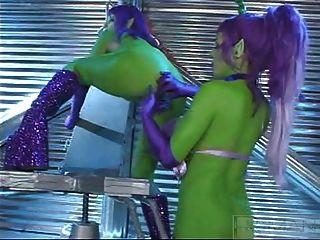 Summer Cummings Green Alien Lesbians