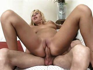 Silvia malli italian pop pornstar troia anal bello duro per bene in fondo al culo e spacca tutto Part 5 5