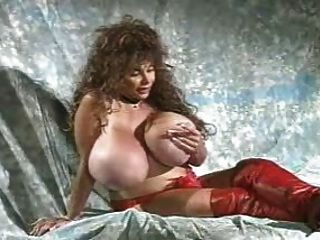 Lulu Devine - Early Years.