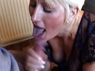 Magnifique Femme Blonde Suce Et Branle Son Mec