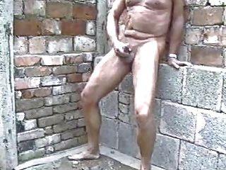 Nudist Mauert