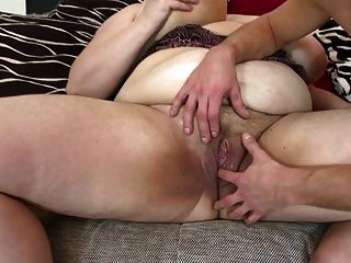 Big Mature Mom Suck And Fuck Young Lucky Boy